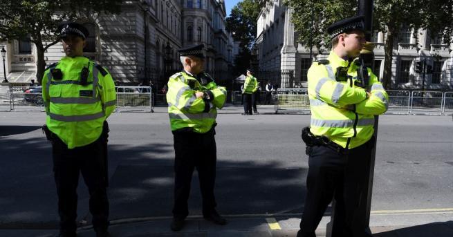 Снимка: Екоактивисти нарушиха железопътния транспорт в Лондон