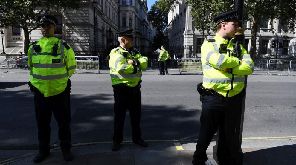 Арестуван застреля полицай в лондонски участък