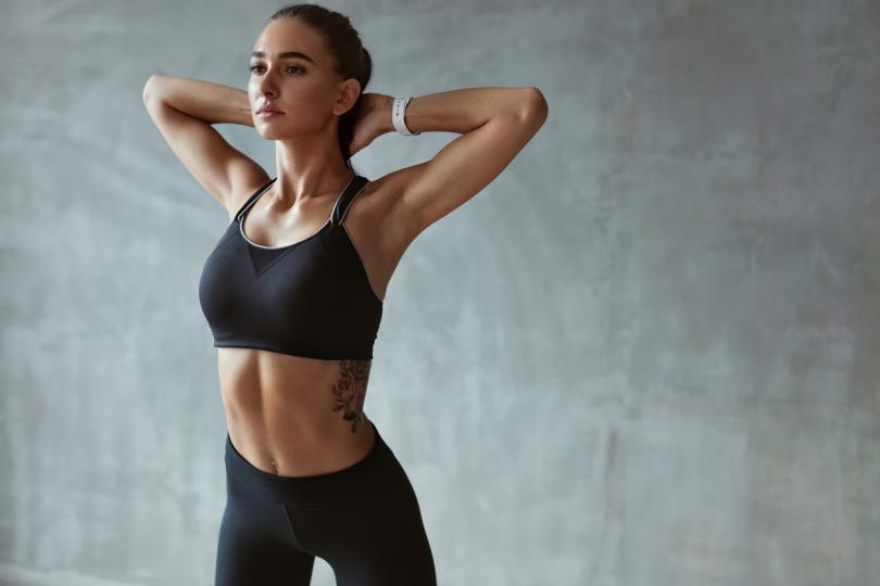 <p><b>Не тренирайте</b></p>  <p>Много хора вярват, че тренировката след хранене ще изгори погълнатите калории. Това не е препоръчително, тъй като ако тренирате след ядене, може да получите гадене, спазми и болка в стомаха.</p>