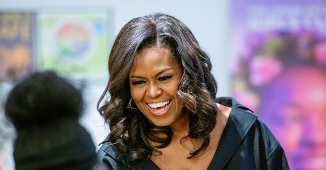 """Автобиографията """"Моята история"""" на Мишел Обама, която се превърна в"""