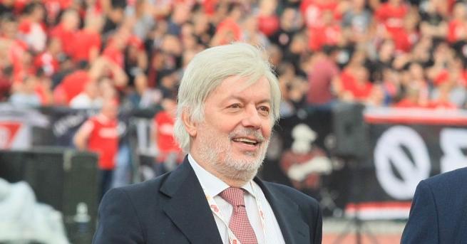Снимка: Бившият президент на БФС Валентин Михов подаде оставка