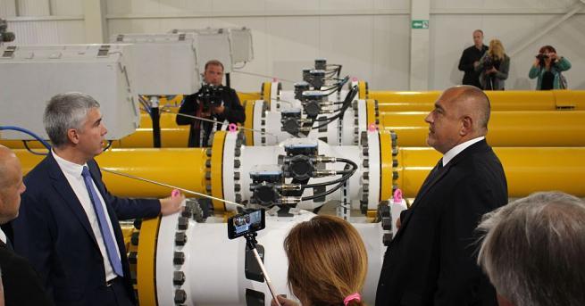 Премиерът Бойко Борисов, който по-рано днес официално откри разширеното трасе