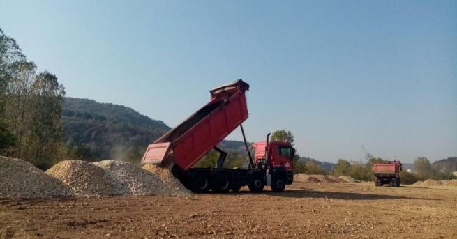 Започва поетапното строителство на 13,4 км от пътя Мездра -