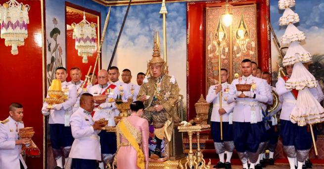 Кралят на Тайланд Маха Ваджиралонгкорн днес лиши 34-годишната си конкубина