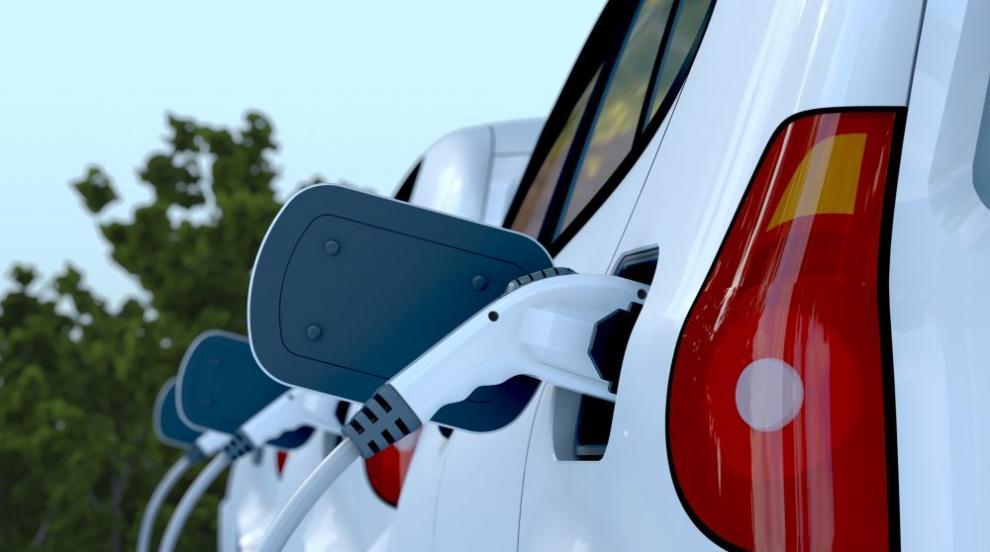 Монтират 31 зарядни станции за електромобили в синята...