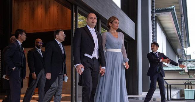 Президентът Румен Радев и съпругата му Десислава присъстваха на интронизацията