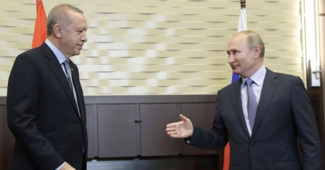 Руският президент Владимир Путин и турският му колега Реджеп Тайип