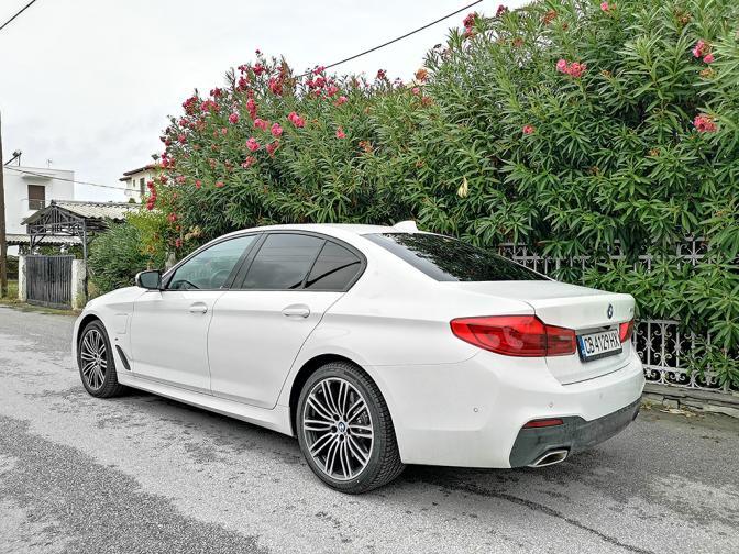BMW 530e галерия