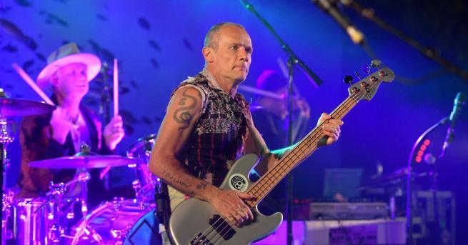 Басистът на групата