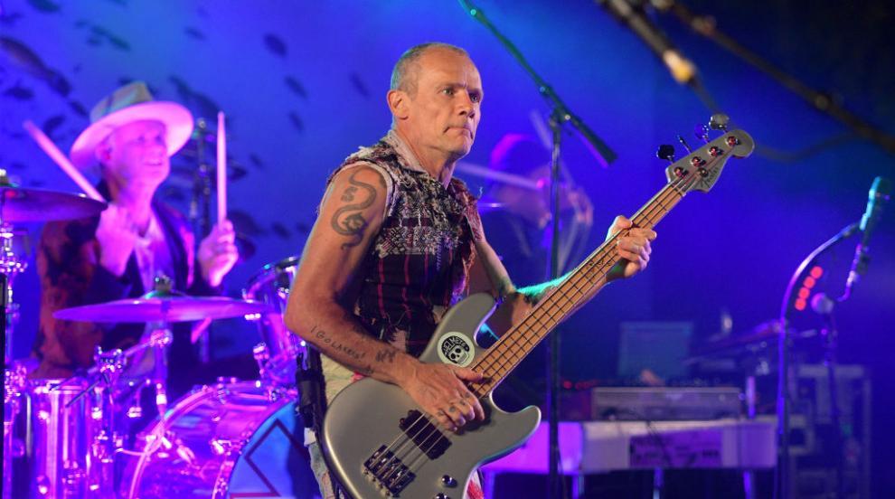 Флий от Red Hot Chili Peppers се ожени (СНИМКА)
