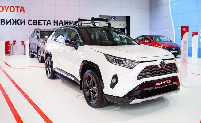 RAV4 предизвика засилен интерес по време на Автомобилно изложение 2019, отчетоха от Toyota