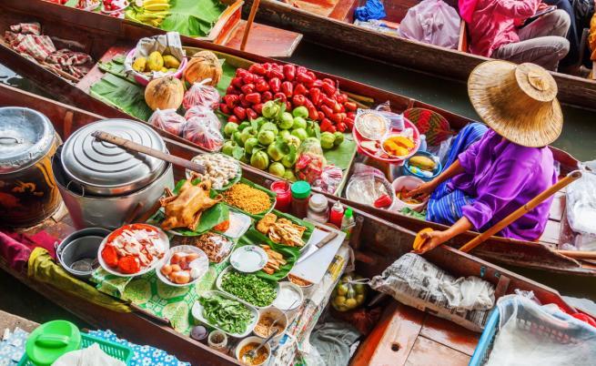 Екзотично и вълнуващо: Плаващите пазари на Тайланд