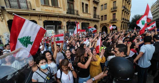 Ливанската криза достигна точка на кипене Някои коментатори сравниха Ливан