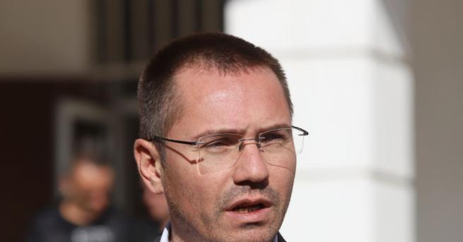 Евродепутатът Ангел Джамбазки е бил хванат да шофира след употреба
