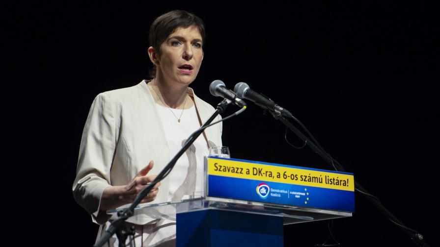 Клара Добрев: Брекзит е пример за лъжи
