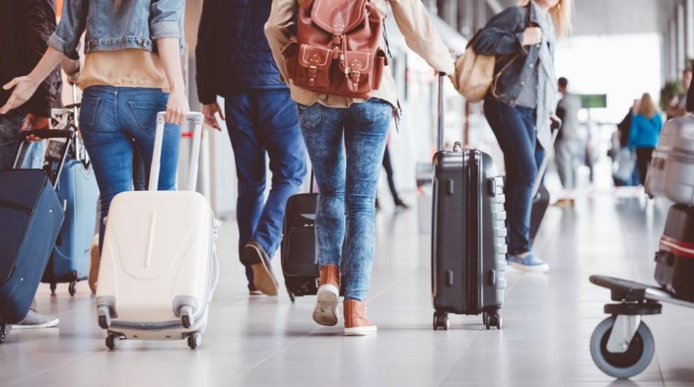 Туристи от 29 държави вече могат да идват в България...