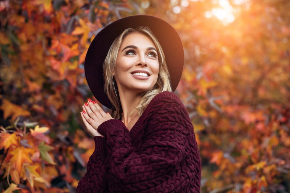 жена шапка есен зима