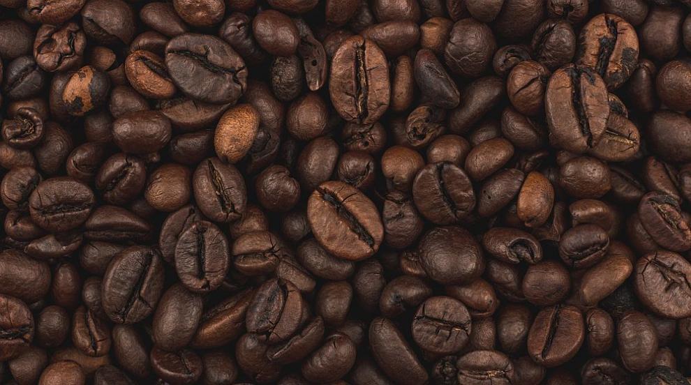Иззеха имитиращ продукт на известна марка кафе от складове в Хасково