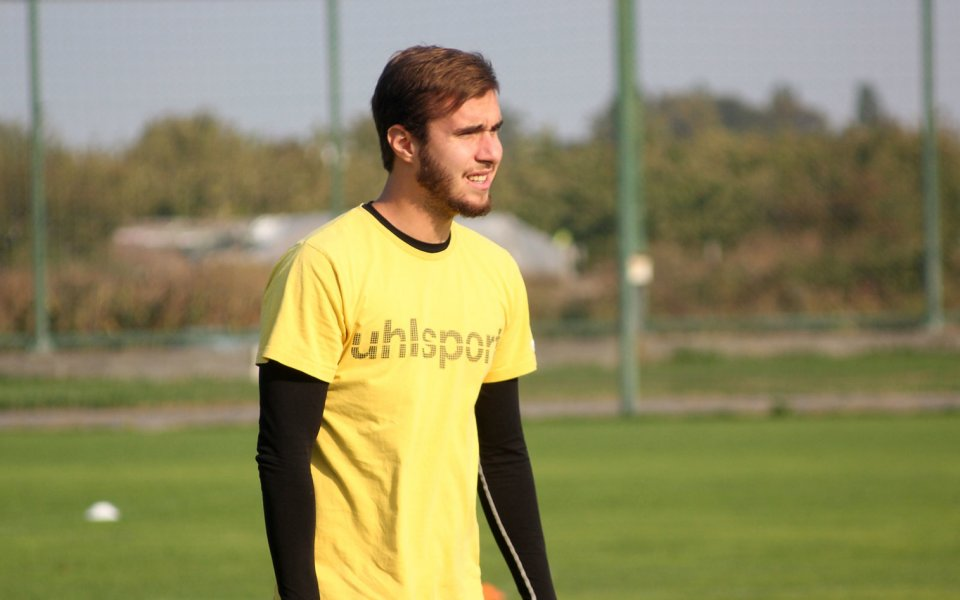 Антонио Вутовзапочна пълноценни тренировки с отбора на Ботев. Атакуващият футболист