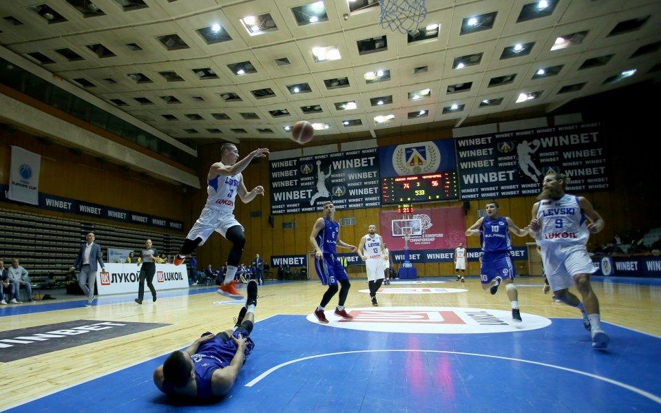 Левски Лукойл и Балкан продължават без загуба в НБЛ