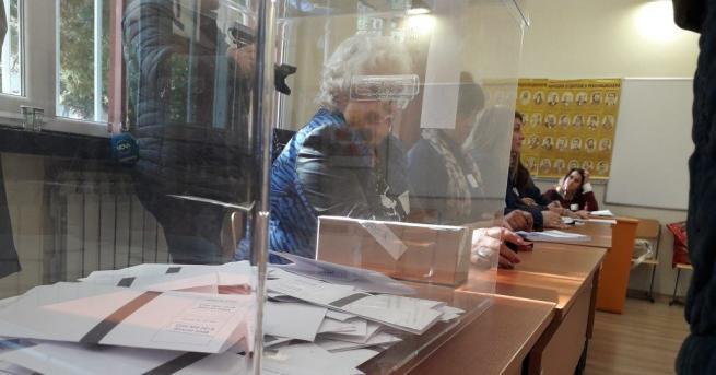 Досегашният кмет на Кубрат Алкин Неби получава 53,54 процента подкрепа,