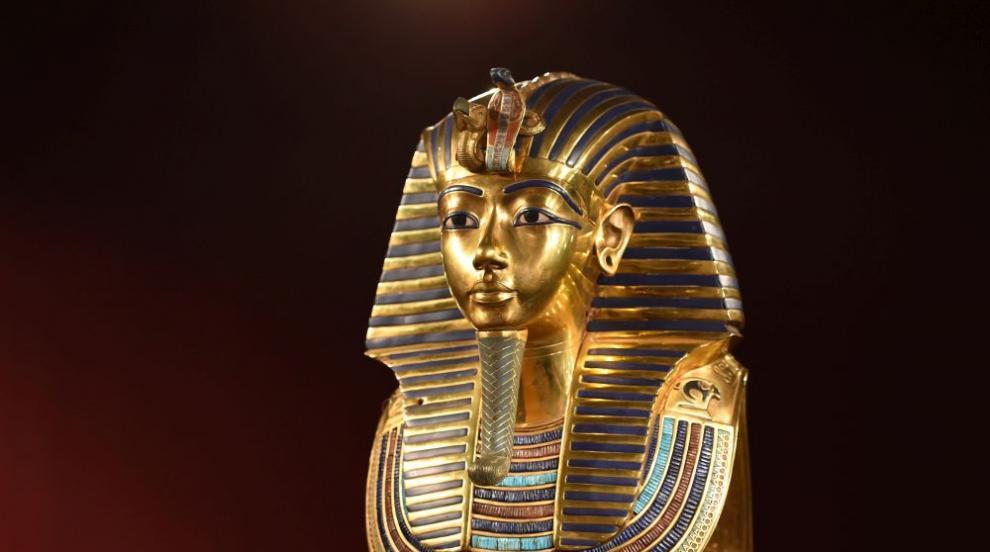 Стих от гробницата на Тутанкамон е на надгробната...