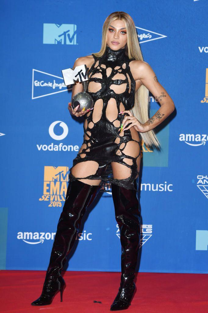 Европейските музикални награди на телевизия MTV тази година събраха и много звезди, които избраха щури и откачени тоалети. Някои от тях бяха секси, други откровено ексцентрични. Вижте ги в галерията: