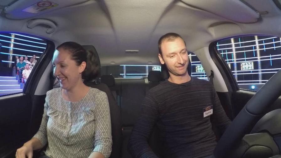 Захари Бахаров връчи ключовете за нов автомобил на късметлия от Казанлък