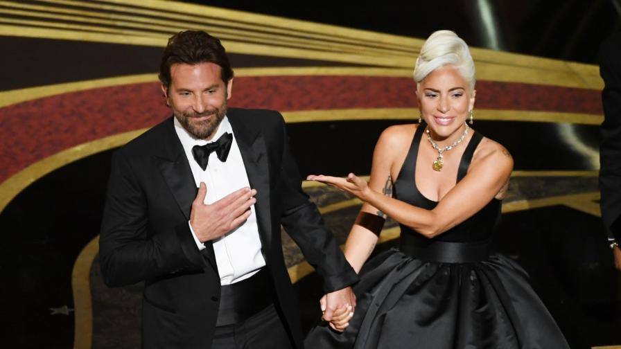<p><strong>Гага </strong>говори<strong>&nbsp;</strong>за отношенията си с <strong>Брадли Купър</strong></p>