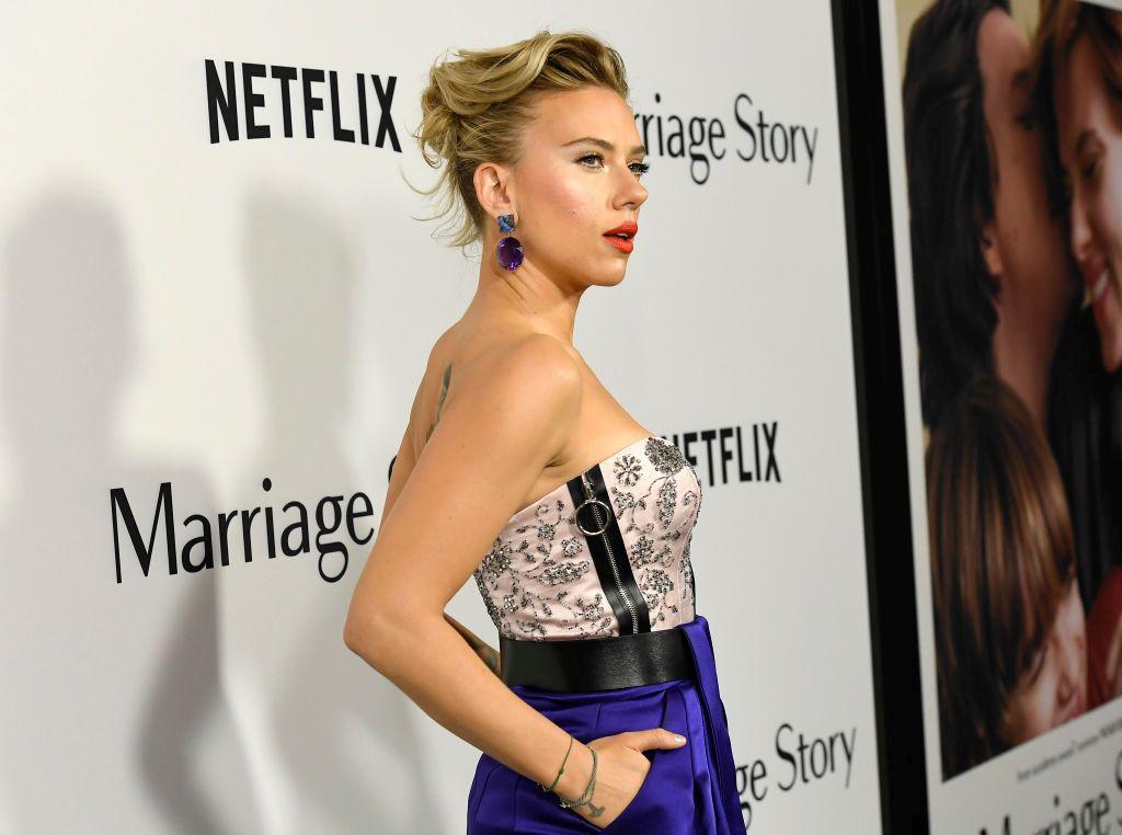 """Актрисата Скарлет Йохансон прикова погледите на премиерата на филма """"Брачна история"""", състояла се на 5 ноември в DGA Theater в Лос Анжелис."""