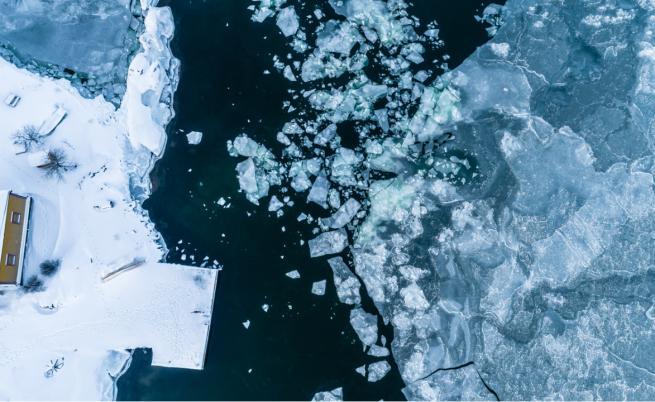 """Уникално природно явление: """"ледени яйца"""" във Финладния"""