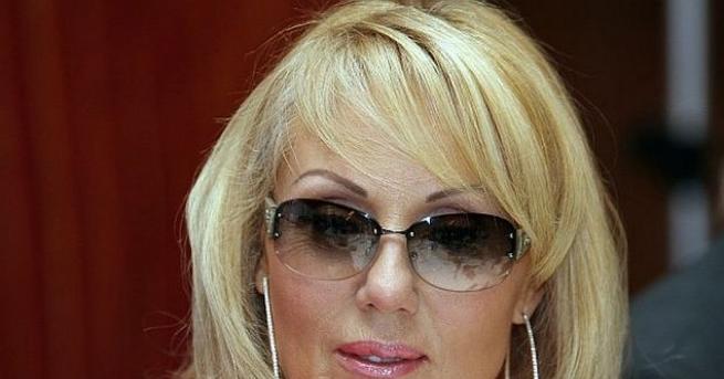Популярната сръбска певица Лепа Брена може и да е 58