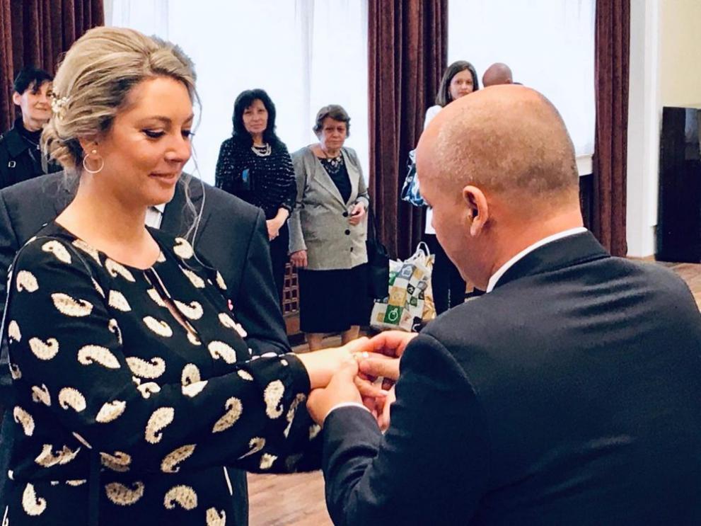 Резултат с изображение за Александър Симов сватба