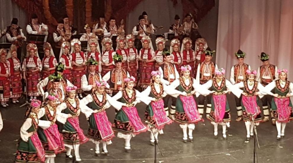 Най-големият частен фолклорен ансамбъл в Европа...