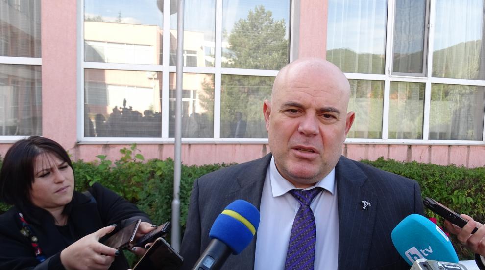 Иван Гешев: Една олигархична група, която се притеснява от закона, иска да...