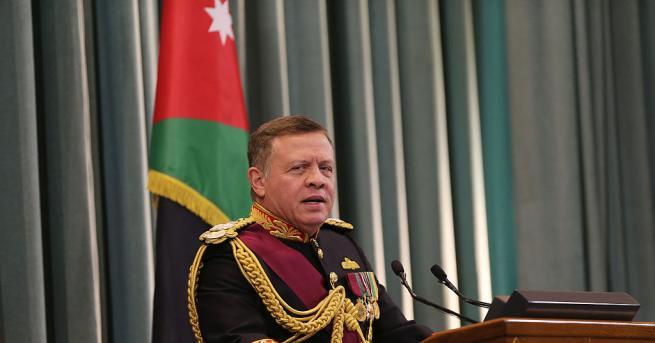 Йорданският крал Абдула посети едната от двете малки територии, които