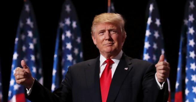 Президентът на САЩ Доналд Тръмп помилва бивш американски командос, който