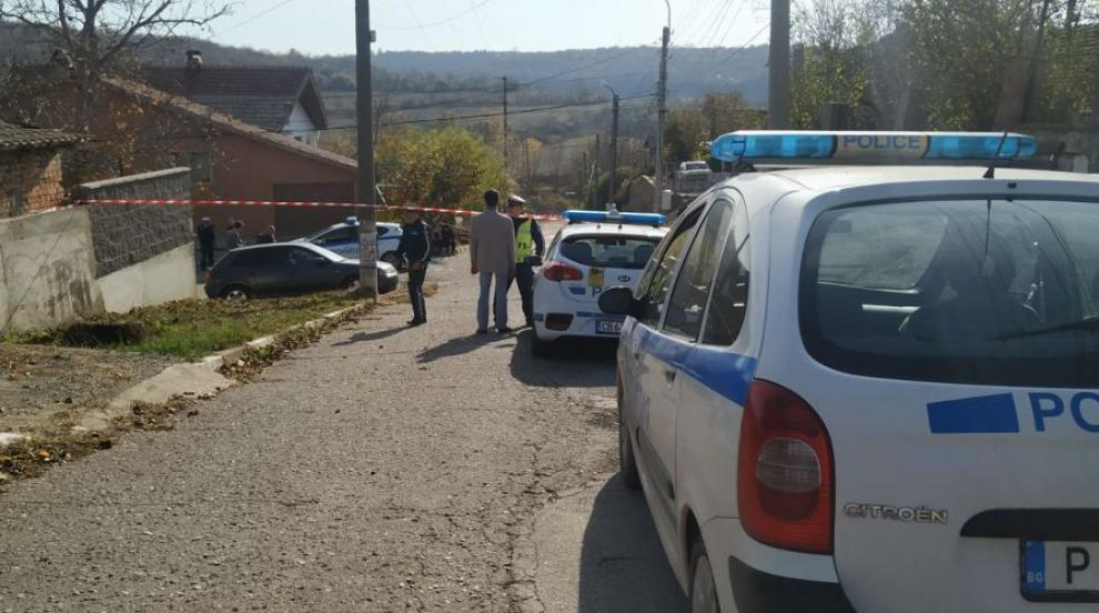 Какви са версиите за тежкия инцидент, при който камион уби дете в Русе?...