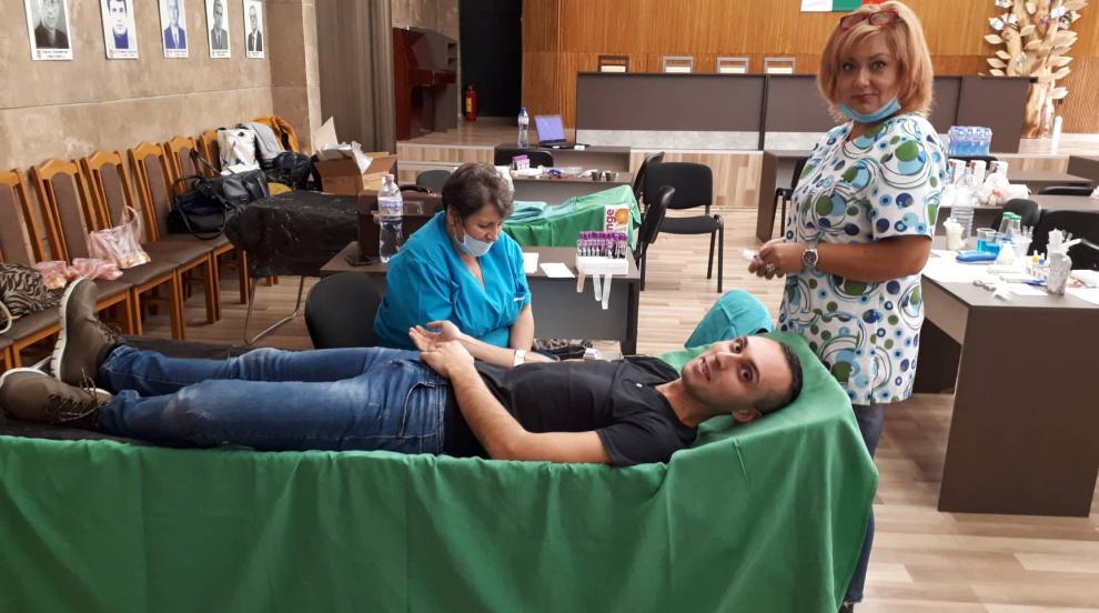 Кампания за доброволно кръводаряване в Дупница