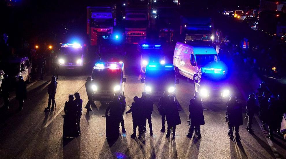 Каталунските сепаратисти блокираха пътищата между Испания и Франция...