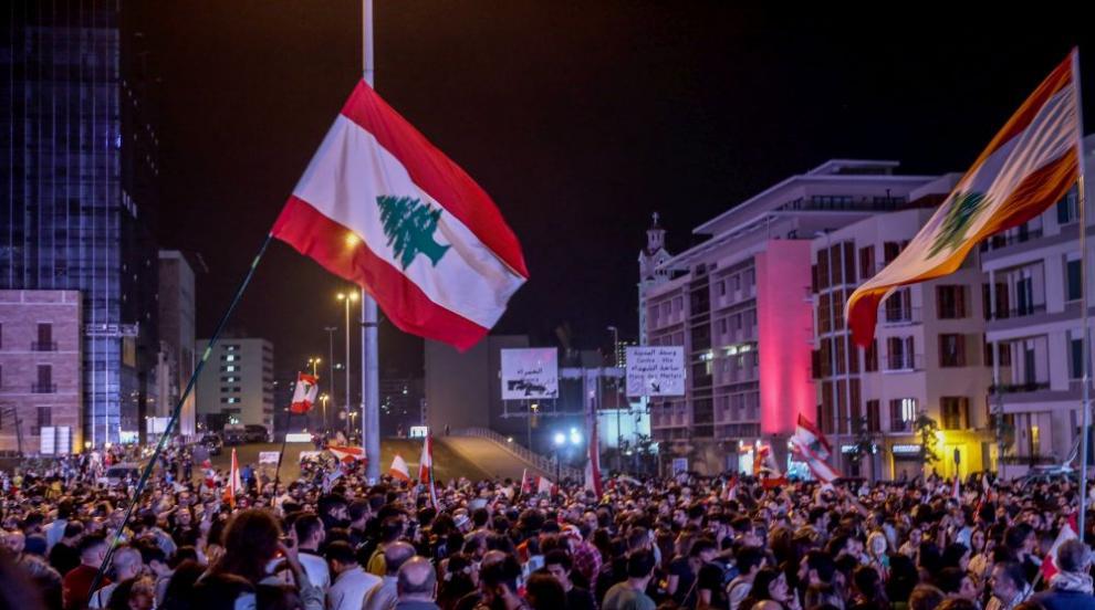 Отново блокирани улици и протести в Ливан заради интервю на президента...