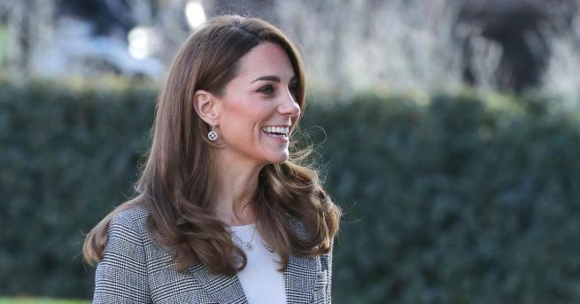 Любопитно Очаквано добра комбинация: Кейт отново очарова с визия Вместо