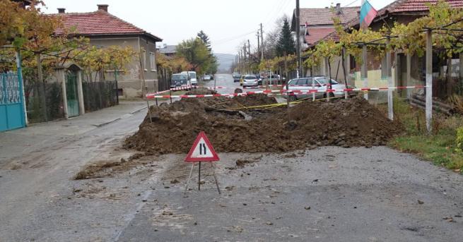 59-годишен мъж загина, затрупан в изкоп при отстраняване на авария