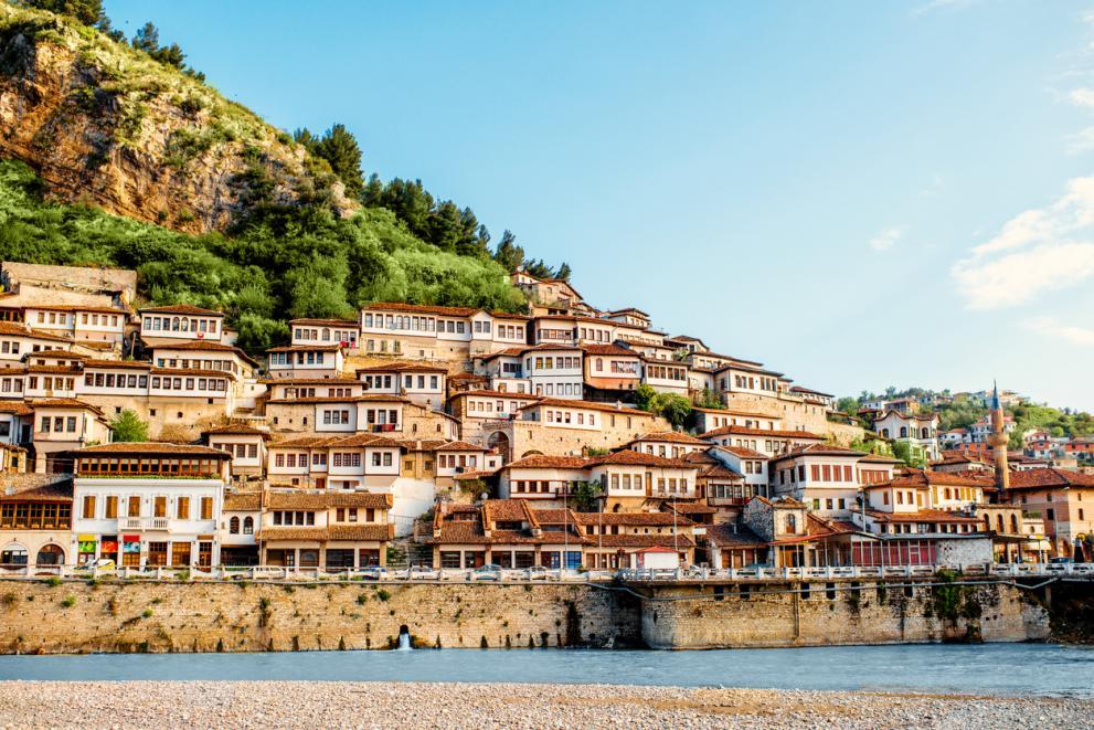Българите се насочват към Албания за почивка