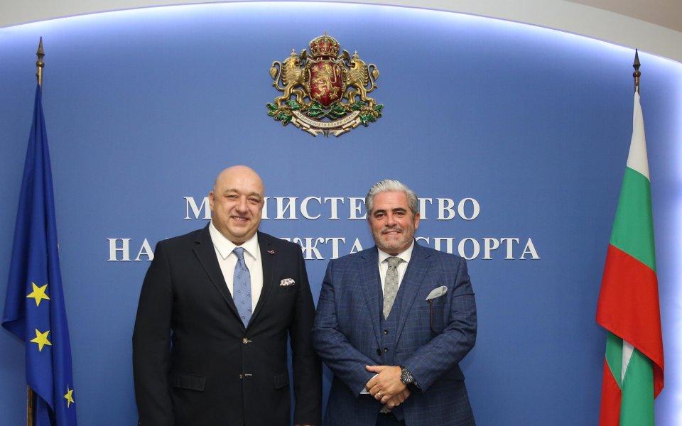 Министър Кралев се срещна с изпълнителния директор на SIGA