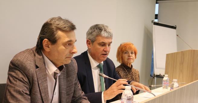 България Управляващите с нови правила за болничните, синдикатите скочиха КНСБ