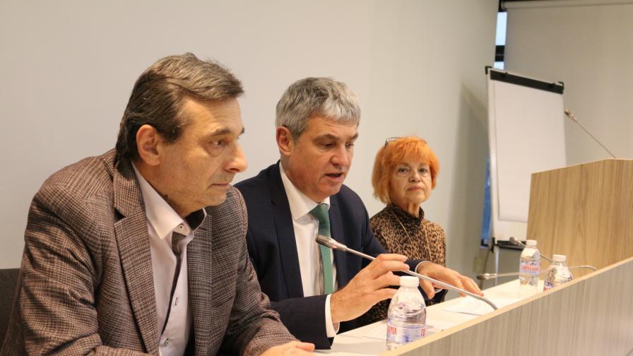 На снимката: Димитър Манолов и Пламен Димитров