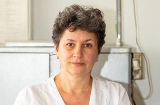 Д-р Екатерина Радоилска е специалист по хранене и диететика с научна степен доктор на медицинските науки. Основните ѝ интереси и разработки са в областта на изследвания върху пробиотици, експериментално моделиране на микрофлората и др. От 1996 г. до сега е главен асистент в отдел Микробиологични анализи на НЦОЗА. Автор е на редица научни публикации.