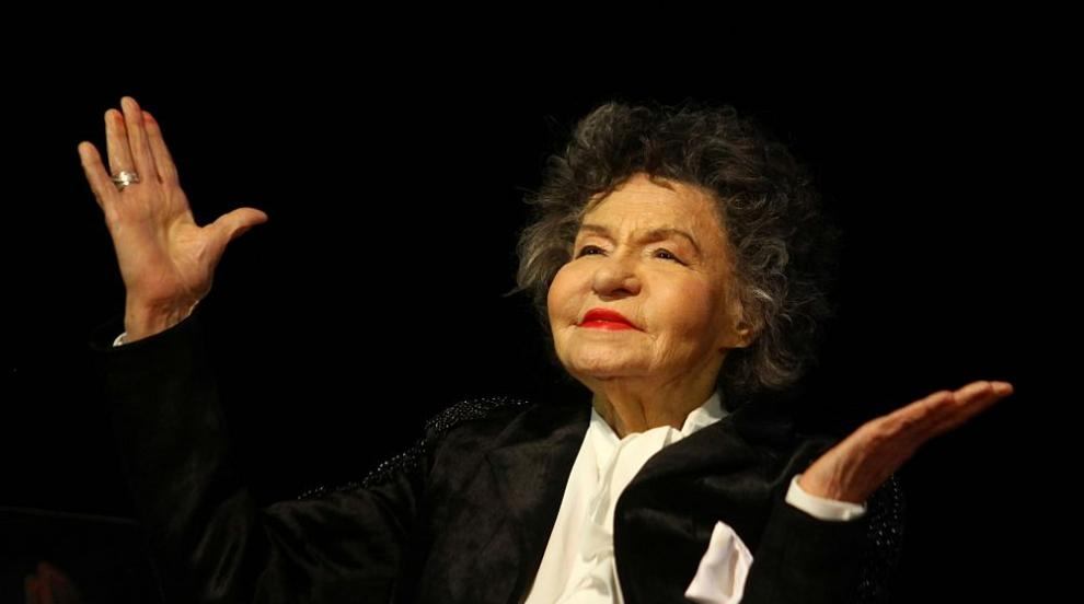 Муки: Всички, които обичат Стоянка Мутафова, да се молят за нейното здраве...