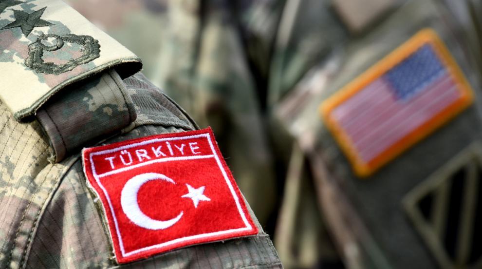 Американец, задържан в Турция по подозрения, че е член на ИД, се върна в САЩ